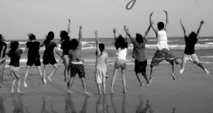 males-and-females-jump-on-the-beach