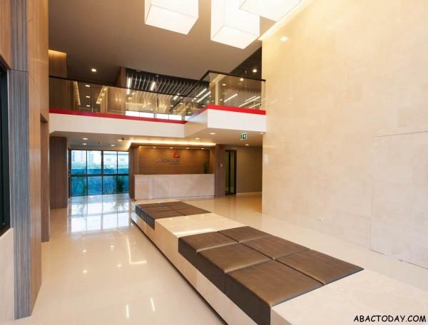 landmark-residence-lobby-01